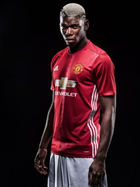 Manchester United Unveil New Signing Paul Pogba