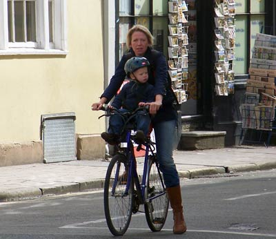 mother-youngchild-handlebars1
